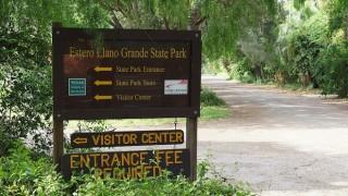 The entrance to Estero Llano Grande State Park, Weslaco, Texas. Photo by Jose Moncivais (Creative Commons)