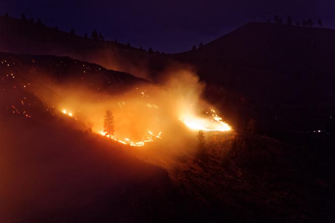 Wildfire forces closure of Chelan Ridge Hawk Watch in Washington State