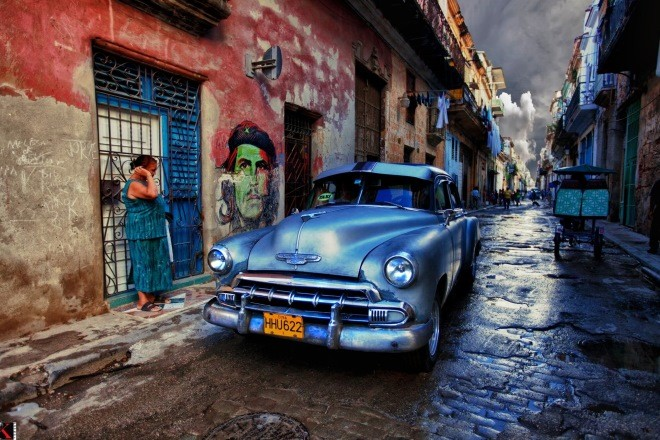 Photo of Street scene in Havana, Cuba