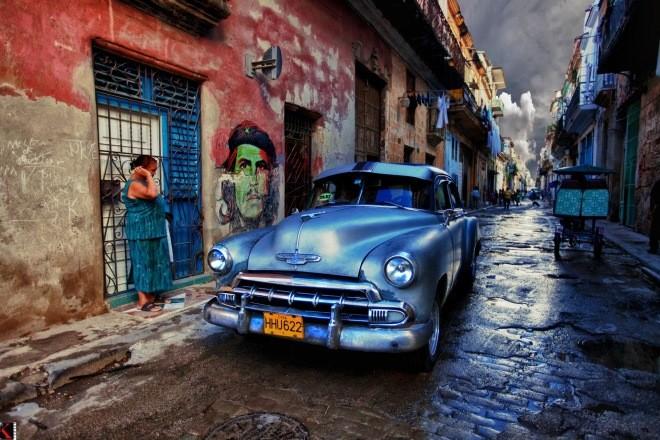 Photo of Street scene in Havana, Cuba