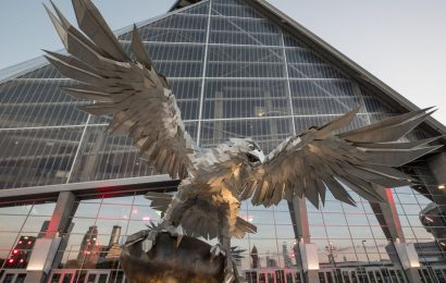 World's largest freestanding sculpture of a bird is in Atlanta